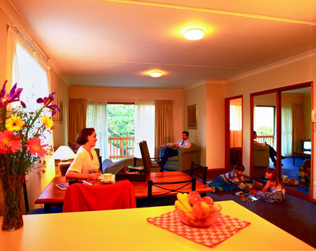 Oxley Court Serviced Apartments - Accommodation BNB