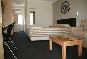 Queensgate Motel - Accommodation BNB