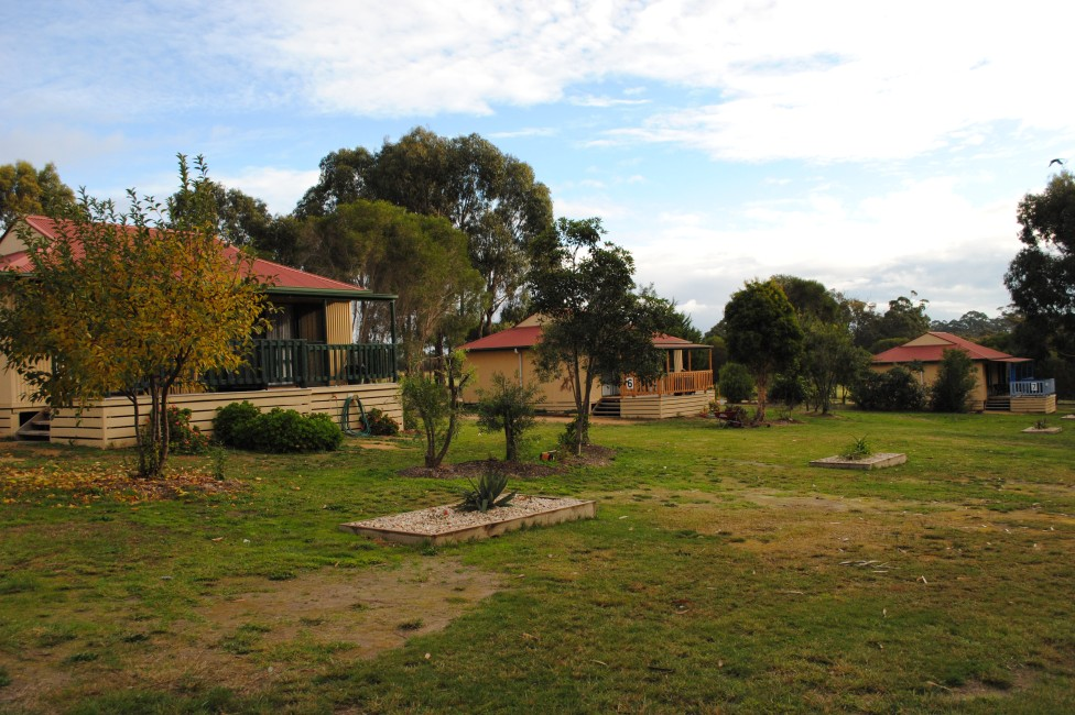 Lakes Entrance Country Cottages - Accommodation BNB