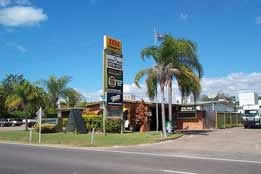 Queens Beach Motor Hotel - Accommodation BNB