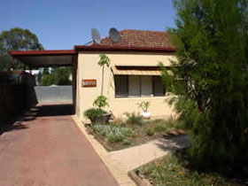 Loxton Smiffy's Bed And Breakfast Sadlier Street - Accommodation BNB