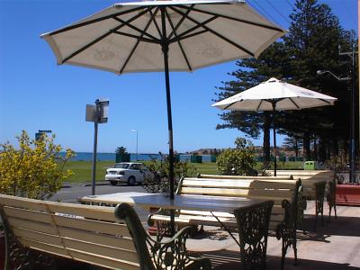 Anchorage at Victor Harbor Seafront Hotel - Accommodation BNB