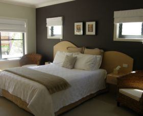 CeeSpray on Owen Bed and Breakfast - Accommodation BNB