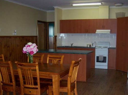 Riverland Holiday Cottage - Accommodation BNB