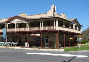 The Royal Hotel Adelong - Accommodation BNB