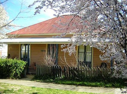 Cooma Cottage - Accommodation - Accommodation BNB