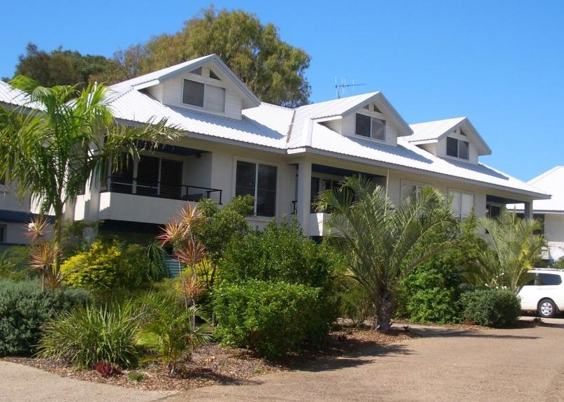 Moore Park Beach Villas on the Beach - Accommodation BNB