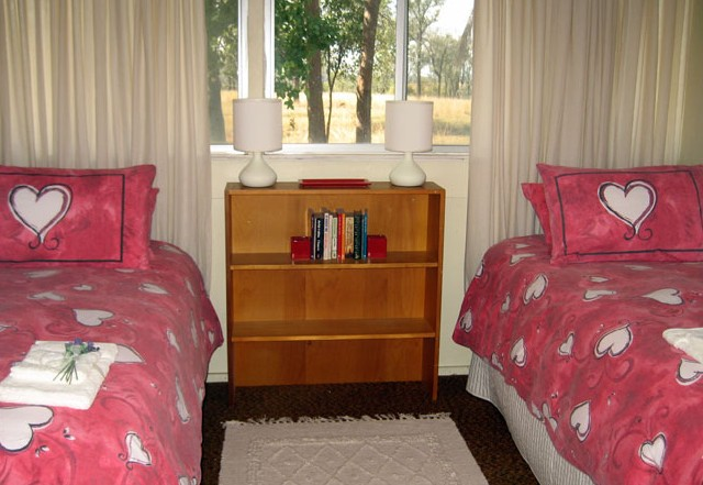 Flag Springs Bush Retreat - Accommodation BNB
