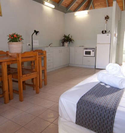 Island Leisure Resort - Accommodation BNB