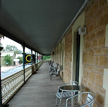 Hotel Mannum - Accommodation BNB