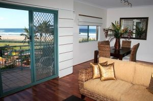Currumbin Sands on the Beach - Accommodation BNB
