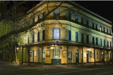 The Royal Exhibition Hotel - Accommodation BNB