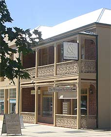 Cobb  Co Court Boutique Hotel - Accommodation BNB
