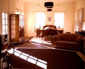 Old Parkes Convent - Accommodation BNB