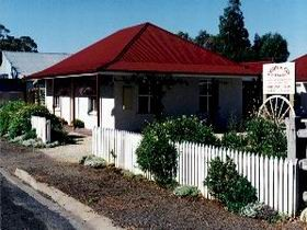 Cobb amp Co Cottages - Accommodation BNB