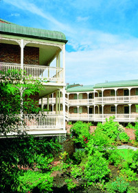 Medina Serviced Apartments Canberra - Accommodation BNB