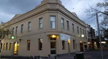 Naughtons Parkville Hotel - Accommodation BNB