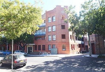 Ryals Serviced Apartments Camperdown - Accommodation BNB