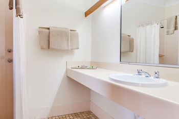 Forresters Beach Resort - Accommodation BNB