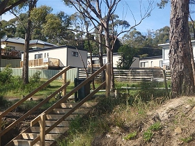 Coningham Beach Holiday Cabins