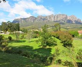 Mount Roland Country Lodge - Accommodation BNB