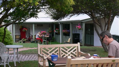 Port Fairy YHA - Accommodation BNB