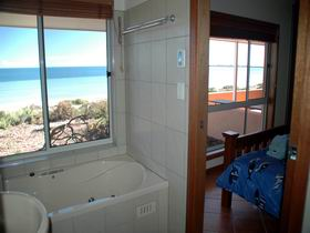 Ceduna Shelly Beach Caravan Park and Beachfront Villas - Accommodation BNB