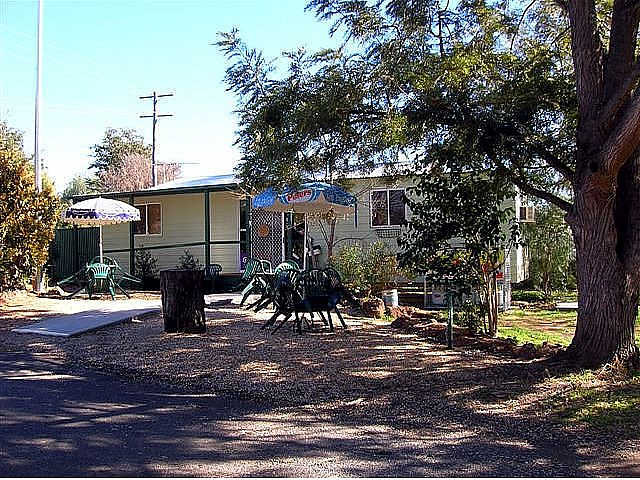 Manilla River Gums Caravan Park - Accommodation BNB