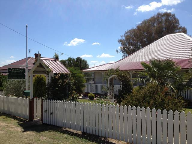 Tenterfield Luxury Historic c1895 Cottage - Accommodation BNB