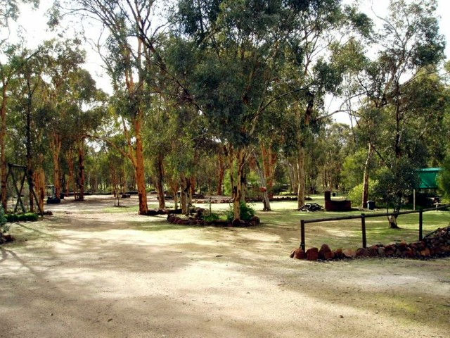 Toodyay Holiday Park  Chalets - Accommodation BNB