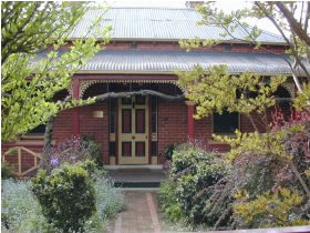 FINCHES OF BEECHWORTH - Accommodation BNB