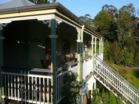The Sanctuary Springbrook. Guest House / Cottage - Accommodation BNB