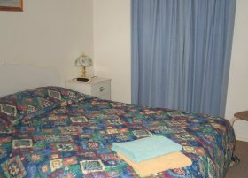 Carn Court Holiday Apartments - Accommodation BNB