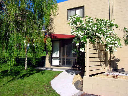 Apartments on Strickland - Accommodation BNB