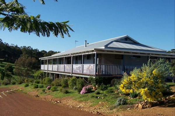 Blue House Bed and Breakfast - Accommodation BNB