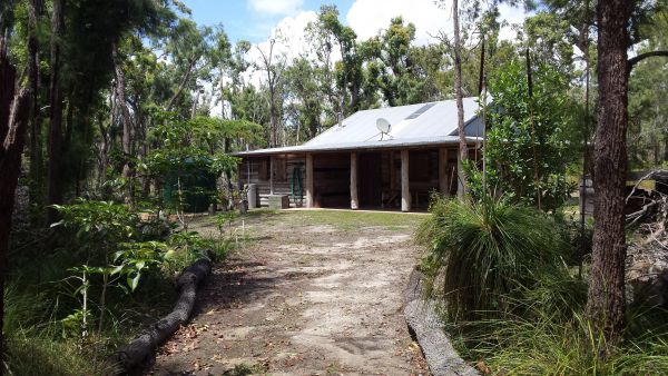 Byfield Cabins on Waterpark Creek - Accommodation BNB