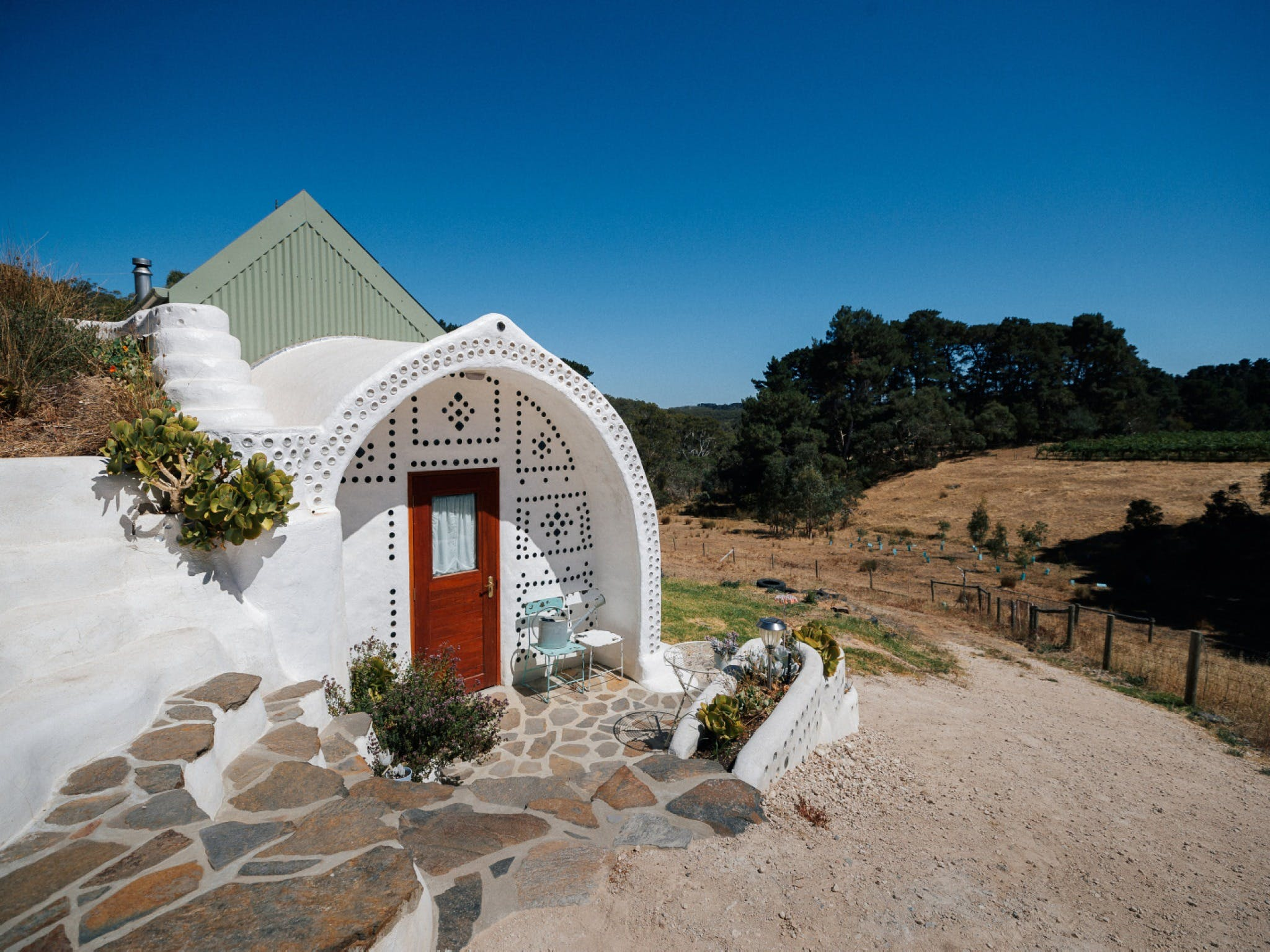 Earthship Ironbank - Accommodation BNB