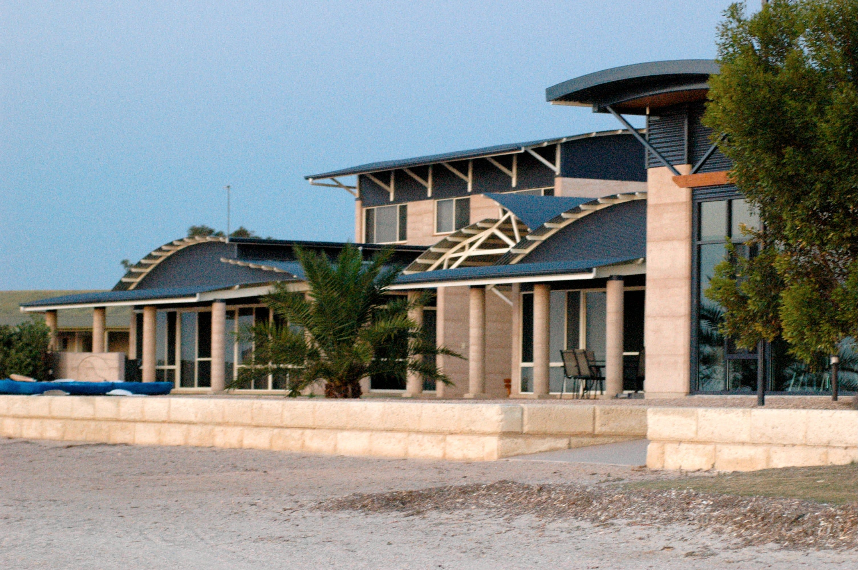 Baird Bay Ocean Eco Apartments - Accommodation BNB