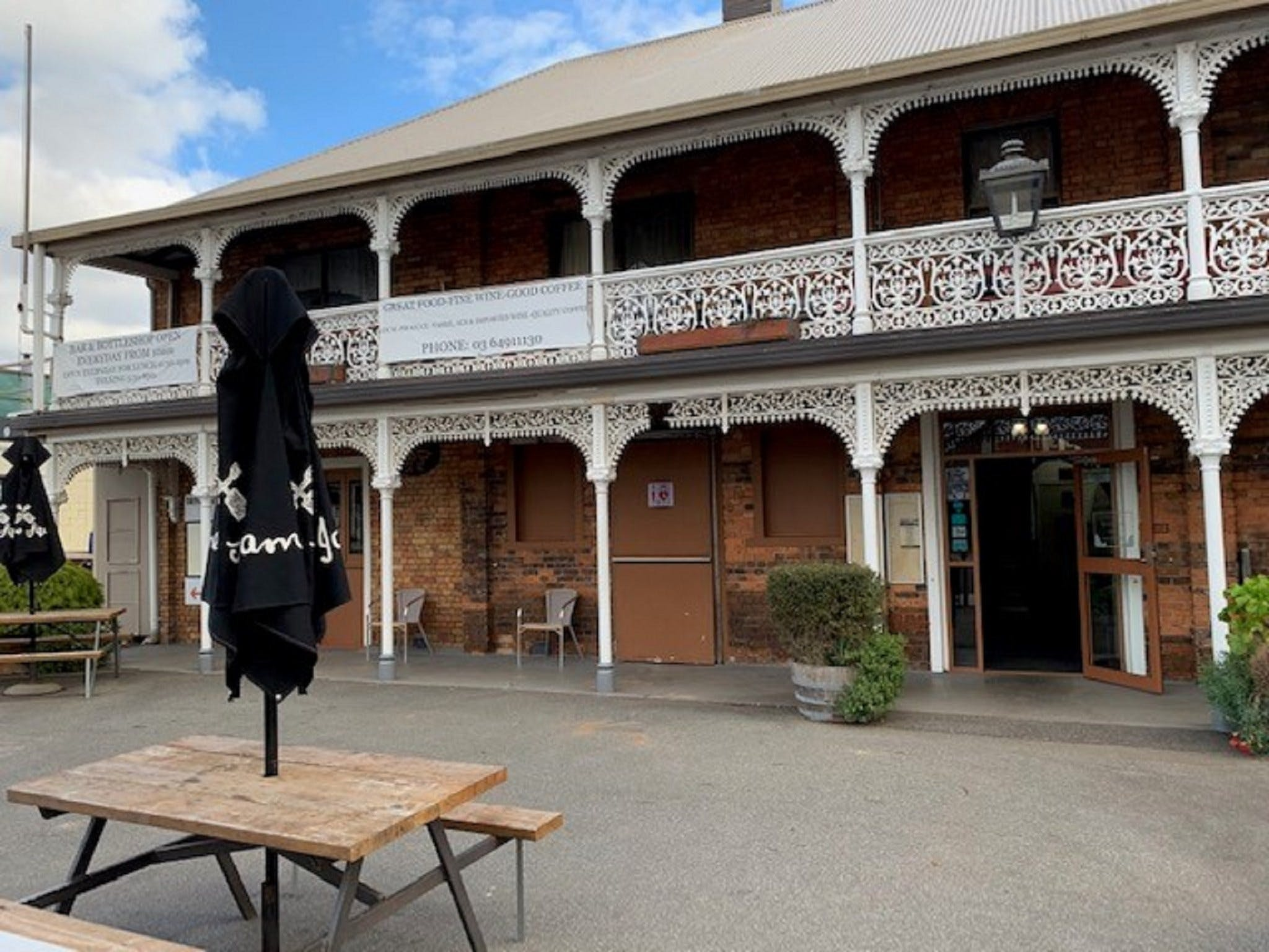 The Sheffield Hotel Tasmania - Accommodation BNB