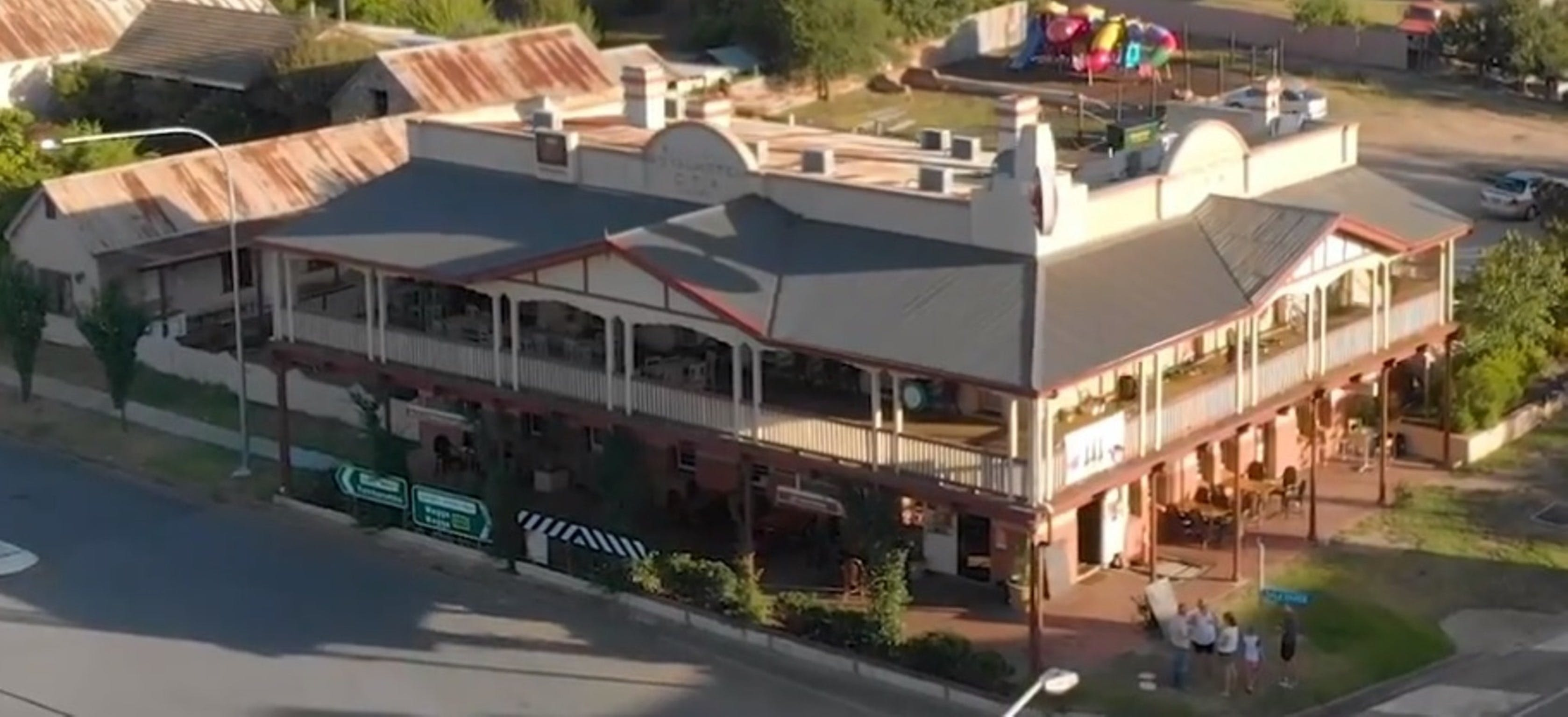 Royal Hotel Adelong - Accommodation BNB