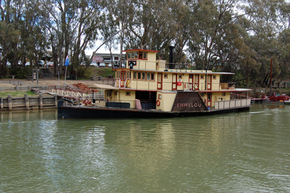 Emmylou Paddle Steamer - Accommodation BNB