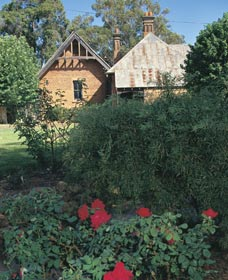 Heritage Rose Garden - Accommodation BNB