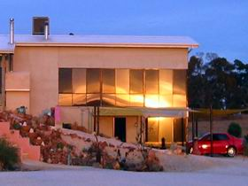 Mt Surmon Wines - Scarlattis Gallery - Accommodation BNB