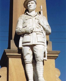 Beaudesert War Memorial - Accommodation BNB