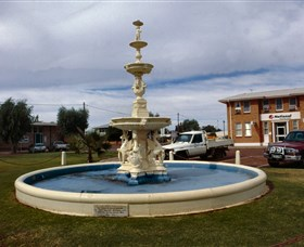 Cunnamulla War Memorial Fountain - Accommodation BNB