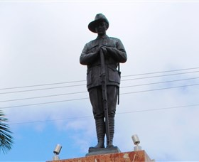 Charters Towers Memorial Cenotaph - Accommodation BNB