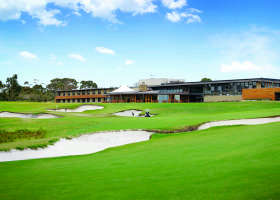 Peninsula Kingswood Country Golf Club - Accommodation BNB