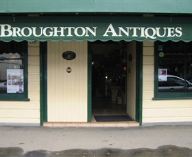 Broughton Antiques - Accommodation BNB