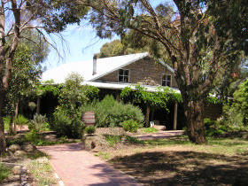 St Anne's Vineyard - Myrniong - Accommodation BNB