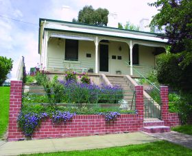Chifley Home and Education Centre - Accommodation BNB